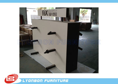 Market Metal Hanger Wooden Display Racks Customized For Carpet Present